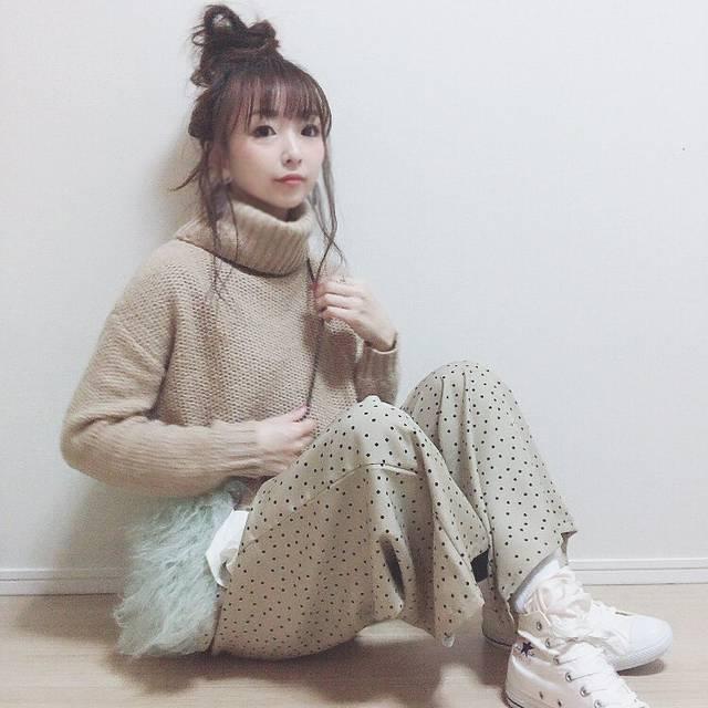 """Chiii* on Instagram: """"*** ・ Hello February 🖤 #hellofebruary  あっという間に2月👀 ・ 睫毛撮影だったので 前髪薄く残してアップヘアに⤴️ これマツエクメンテ前で 👀しょぼんだけど← パッチリに復活🙆✨ とりあえずコーデ記録を🙏 ベージュコーデ好き😚…"""" (83068)"""