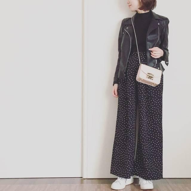 "Rei on Instagram: ""・・・ #coordinate ☻ ・ ・ ・ tops... @uniqlo  bottoms... @gu_global  jacket... @zara  bag... #furla  shoes... #adidas ・ ・ ・ 去年買い逃してたGUの…"" (83073)"