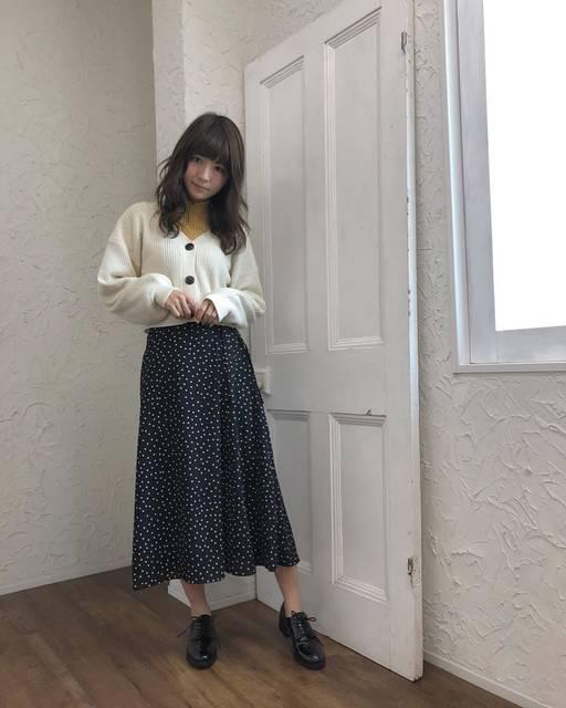 """mariko on Instagram: """"* . ドットのパンツは持ってたけどスカートは持ってなくて、いろいろ着まわしできるし探してたらGUで発見した🐷❤️ プチプラやけど生地もしっかりしてるしよき👏💓 . インナーのレーストップスもGUの😂 . *…"""" (83462)"""