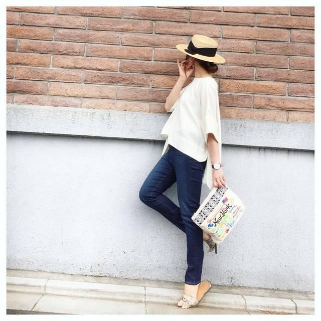 """COCO on Instagram: """"【コーデ】UNIQLOハイライズシガレットジーンズ 秘技 フラミンゴポーズ💃 はい、背伸びしすぎました🙌💦 連日スカートコーデなので たまにはデニムでカジュアルコーデ👖 ・・・・------------------------------------- ------ tops…"""" (83658)"""