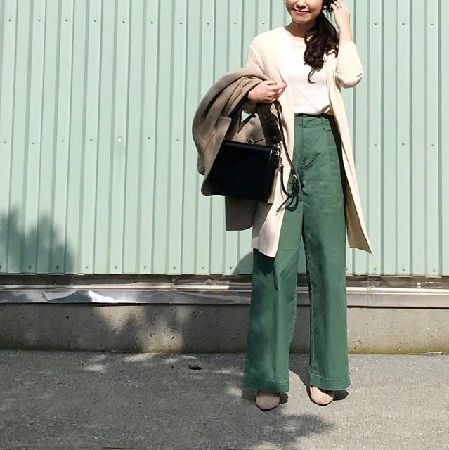"R i r i on Instagram: ""🧚🏻♂️ * 綺麗なグリーンに一目惚れした #ハイウエストチノワイドパンツ ◟́◞̀ * まだまだ寒くて ニットは#カシミヤクルーネックセーター だし コートも羽織るけど👉🏻2枚目 春カラー🧚🏻♂️♡ * * * coat @storynine_jp  knit,pants…"" (83804)"