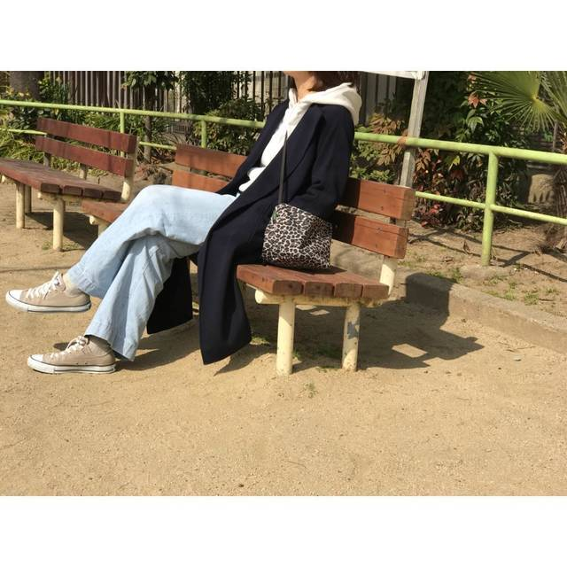 "ASAHI on Instagram: ""2018.02.28 真ん前の無人の公園へ。 体力有りあまりすぎってちょっとだけ。 * コート @milaowen_official #milaowen トップス @gu_for_all_ #大人gu部 #スウェットプルパーカ デニム @framework.jp…"" (85398)"