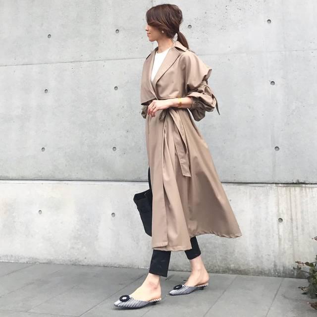 "@kazumint20 on Instagram: "". #outfitoftheday ✾✾. . 今日はいいお天気でミュールが履けた✨。 ストライプがやっぱり可愛い☺︎☻. . . 袖ポワンのトレンチは前をキュッと結んで❤︎。 . . .…"" (85902)"