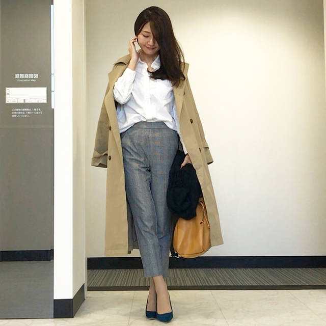 "risa on Instagram: ""coordinate❤︎ #通勤コーデ#お仕事コーデ * * coat #gu #ボリュームスリーブトレンチコート tops  #gap pants #gu @gu_for_all_  shoes #amiami bag #zara necklace #gu watch…"" (86187)"