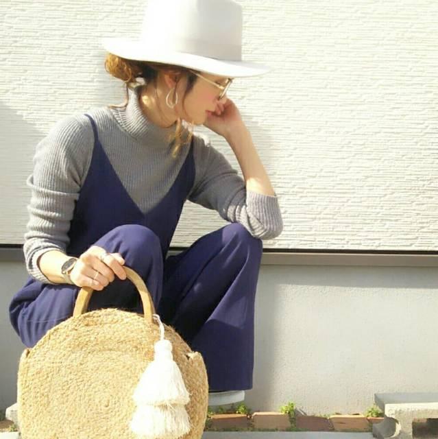 """あや on Instagram: """"近目 何故なら そこに彼女がいるから❤ ・ 大好きな形のシンプルオールインワン❤ ・ 冬は上に羽織るとオールインワン系色々めんどーだけど 春夏羽織りなくなると また着たくなる❤  @rakuten_lagemme さんのオールインワン…"""" (86979)"""