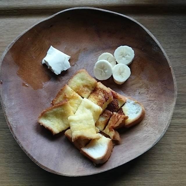 """さとゆき on Instagram: """"今朝の離乳食  フレンチトースト 1才からのチーズ バナナ  チーズをあげてたけど、残す事が多く…近くのスーパーから姿を消してた #1才からのチーズ を探して三軒目でようやくget(๑•̀ᴗ- )✩…"""" (87167)"""