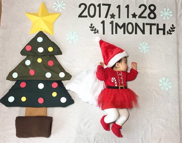 """fujihara on Instagram: """"・ 2017.11.28  11month 335日 幸せを運ぶサンタ☆★ ・ 1歳へのカウントダウンが始まった〜 未だにプレゼントに悩み中 お金があればトイザらスごと買ってあげたい ・ 動くし寝なくやったから今回は2日がかりで撮影 母の自己満足に付き合ってもらうのも 次で最後…"""" (87771)"""
