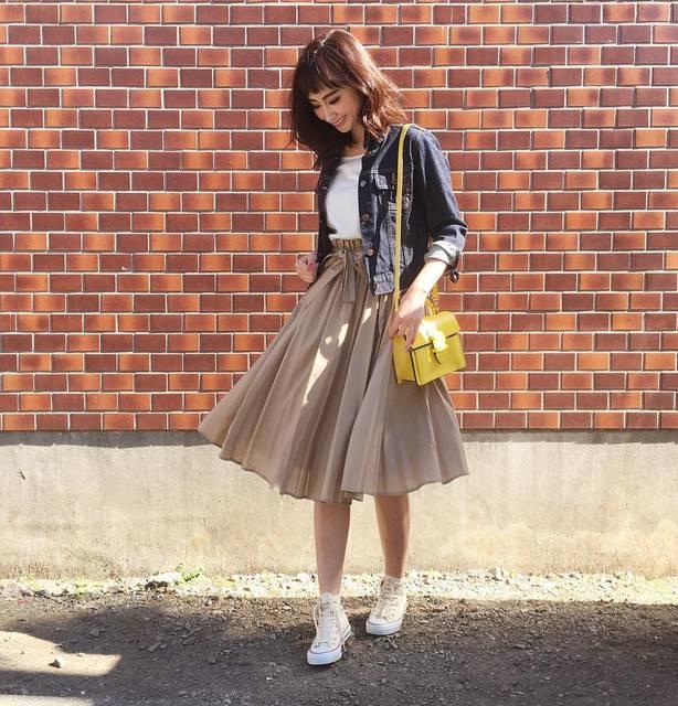"""柳橋唯 Yui Yanagihashi on Instagram: """"outfit ・ ・ ウエストリボンのスカートは、甘くなり過ぎないようにカジュアルアイテム合わせで💕 ・ ・ 今日お昼はタイ料理を食べに行ったのですが ランチはメインにプラスグリーンカレー&ライスが食べ放題で、、、…"""" (88172)"""
