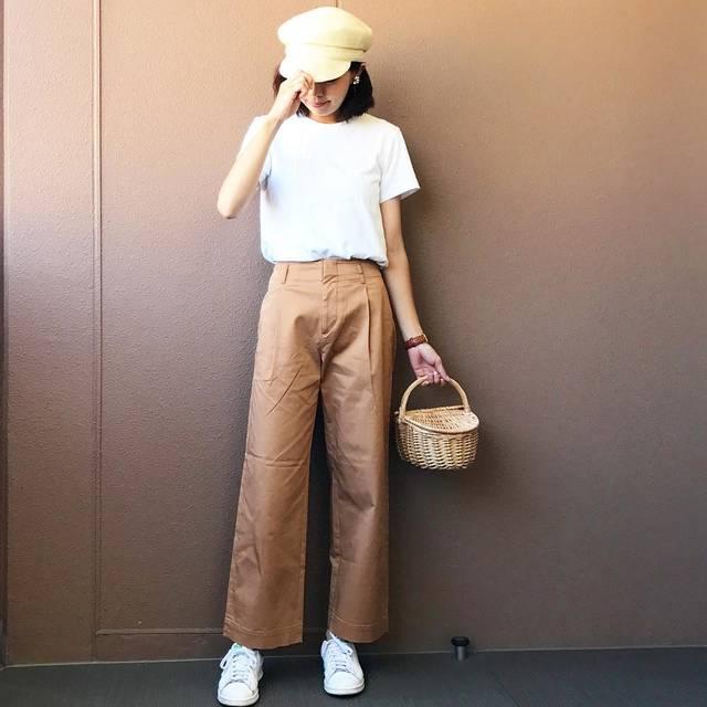 """Maki on Instagram: """"2017.6.9 ・ おはようございます♡ ・ 話題の#ハイウエストチノワイドパンツ 👖💕 試着してみたらラインが綺麗で脚が長く見える気がしたのでお買い上げ🙌✨ Brownにしました😊💓 そしてもう1色狙っています👀← 164cmでサイズ58を穿いたらこの丈です💁…"""" (88190)"""