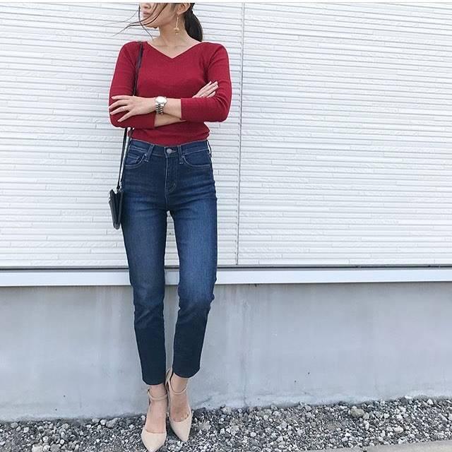 """@uniqlo_ginza on Instagram: """"大人気、秋の#1000円T 😁✨ リブTシリーズから襟ぐりが進化した、秋の#リブバレエネックT (七分袖)。 デコルテが綺麗に見える開き具合が何とも言えず美しい💕  レッドは1枚でオシャレのポイントになりますね💕  カラーも豊富なラインナップでご用意しています💁…"""" (88425)"""