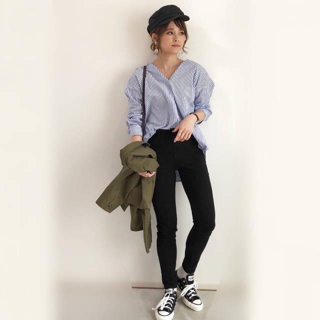 """yun on Instagram: """"今日は#上下ユニクロ部 ♡ #エクストラファインコットンシャツ の襟を中に折ってノーカラーに🎵☺︎ このシャツは襟抜きが簡単にできるように設計されている優秀なシャツ😳💕この春たくさん活躍しそう👌 ・ * ・ アウター➡︎ @azulencanto_official  #シャツ…"""" (88497)"""
