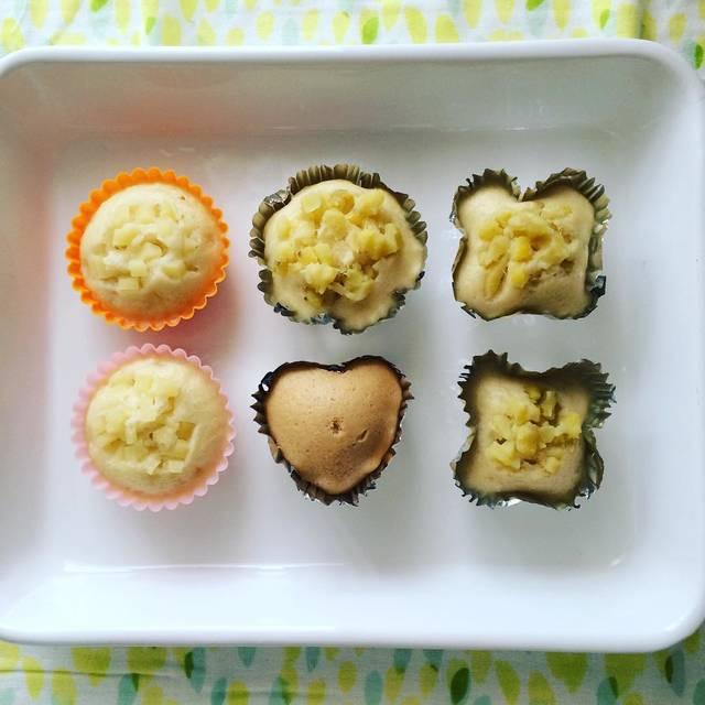 """はる on Instagram: """"蒸しパン作ってみました♡ 食パンも苦手だから、はじめは、いやーって口から出してたけど、ちぎって置いたらそのうち自分で手づかみして食べてくれた^_^ 母うれしい♡  #生後9ヶ月#離乳食#離乳食後期#カミカミ期…"""" (91574)"""
