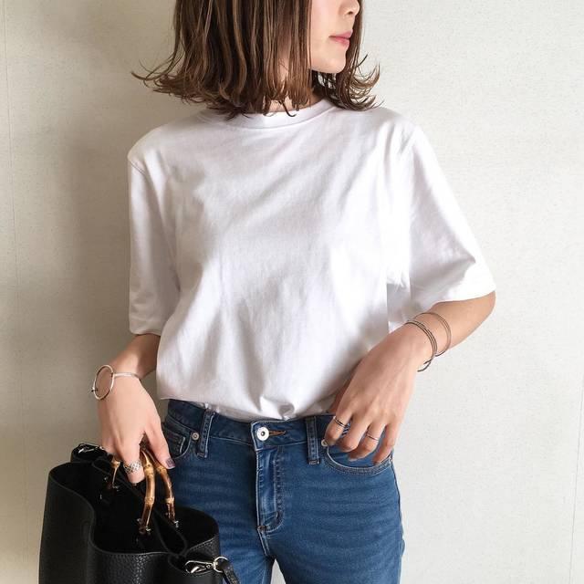 """miho on Instagram: """"・ ・ 先週UNIQLOで3色買いした クロップドクルーネックT☝️♡ ・ 昼間は暖かいを通り越して 暑いと思ったら 25℃やったみたい🙄 ・ ミリタリージャケット羽織ってたけど 通勤以外は半袖で過ごせましたー☀️ ・ ・ ・ ・ t-shirt @uniqlo…"""" (93226)"""