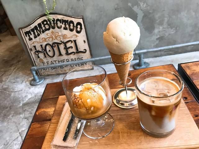 """@iurykx on Instagram: """"お天気のいい日に☀︎ここまた去年から行きたかったところ!初めてアフォガード食べた~#日本橋#coffee#アフォガード#ピスタチオ#アイス#アイスラテ"""" (93489)"""