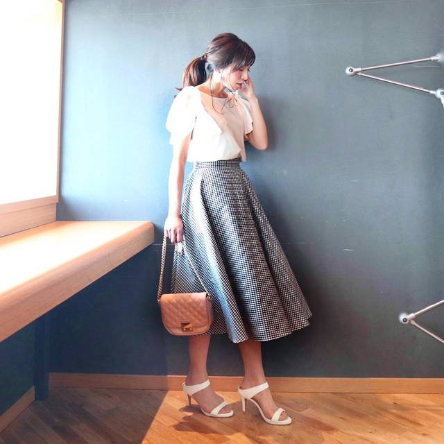 "RIIN   ◡̈❁ 矢口里奈 on Instagram: ""こんばんは⭐️ * *  #トップス:(or1711-014184) ⇨ @pierrot_shop  スカート ⇨ @uniqlo * * #uniqlo  のギンガムチェックのスカートは、ふんわり感がとっても可愛いのでお気に入り❤️ * *  #大人カジュアル…"" (93703)"