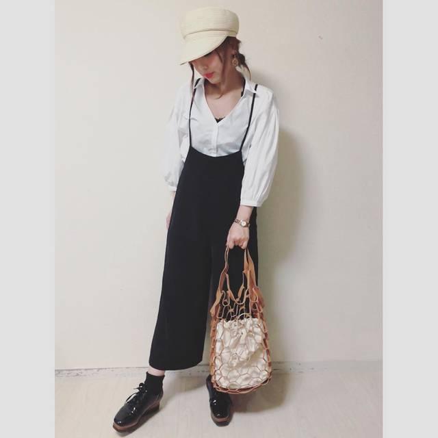 """Yuki on Instagram: """"#todayscode ❤️ 今日もほぼほぼ#gu なコーデ😅  #パフスリーブシャツ と#サロペットワイドパンツ でキレイめカジュアル😄 このサロペット楽すぎて#ヘビロテ しまくり❤️ 今日は#ブレードマリンキャップ…"""" (94306)"""