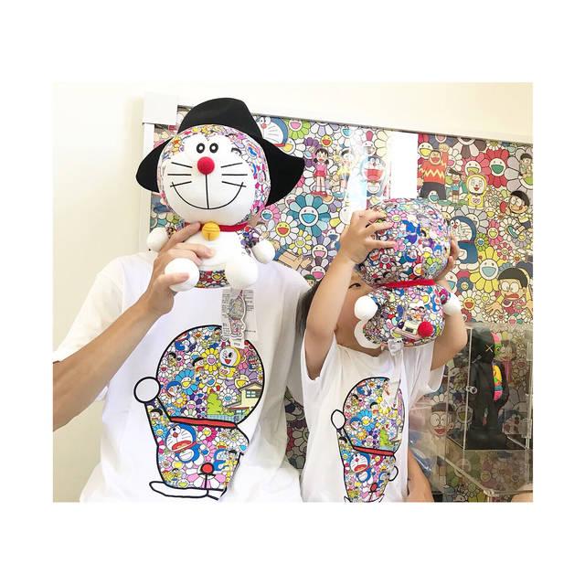 """@zhou0309 on Instagram: """"👶🏻❤️#村上隆 #kaws"""" (94354)"""