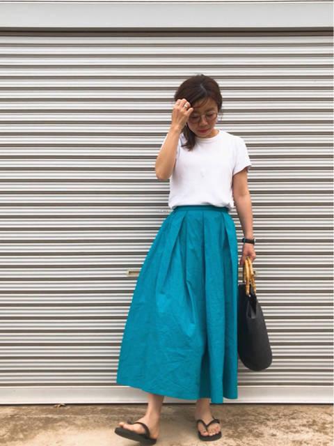 パッと目を引くカラースカートにUNIQLOTシャツでシンプルカジュアル! | ♡eming's diary♡プチプラでファッションを楽しんじゃおう♩ (94802)