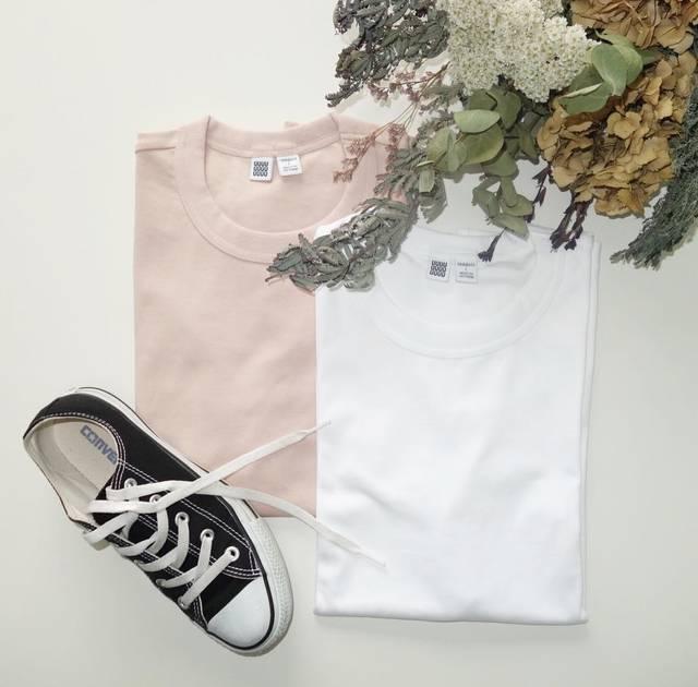 "@n.yu____mi on Instagram: ""話題のTシャツget♡人気な理由がわかる。地厚な生地・触り心地完璧なTシャツ!お値段以上◎ * * * #ユニクロ #uniqlo #ユニクロユー #uniqlou #クルーネックt #ママコーデ #シンプルコーディネート #大人カジュアル #1000円t #ユニt族 #置き画…"" (94807)"