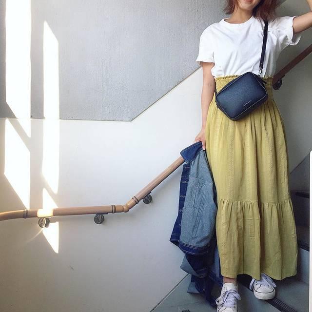 """narusya tokyo on Instagram: """"#Repost @mii_wear ・・・ ꕤ ꕤ ꕤ パキッとしたイエローも好きだけど 落ち着いたイエローも好き💛 このスカート実は2way〜 胸元まで上げてベアワンピとしても着れるやつ👐🏼 ーーーーーーーーーーーーーーーーーー  tops➙ @uniqlo…"""" (94811)"""