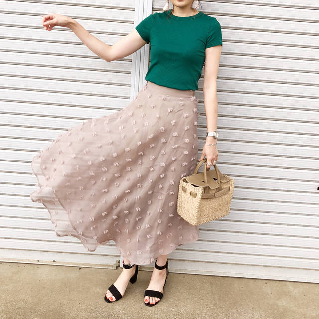 "♡miki_tee♡ on Instagram: ""#cordinate ・ ・ ・ ・ みかちゃん @mika_____akim の以前のpost、グリーン✖️ベージュskirtで時差リンク🤣💕💕 ・ ・ ・ tops#uniqlo skirt#birthdaybash  sandal#gu bag#seajapan ・ ・…"" (95232)"