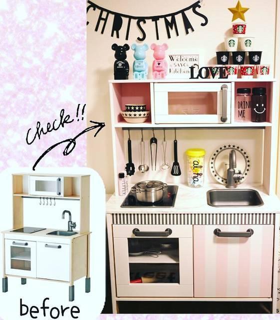 """まり on Instagram: """"20161224  娘のクリスマスプレゼントのおままごとキッチンを塗りました。 我が家には木目の家具がないのでそれに合わせて ホワイトを基調として上の棚は内側ピンク。 扉の一枚を大好きなストライプ。 シンク台は大理石風です。…"""" (95871)"""