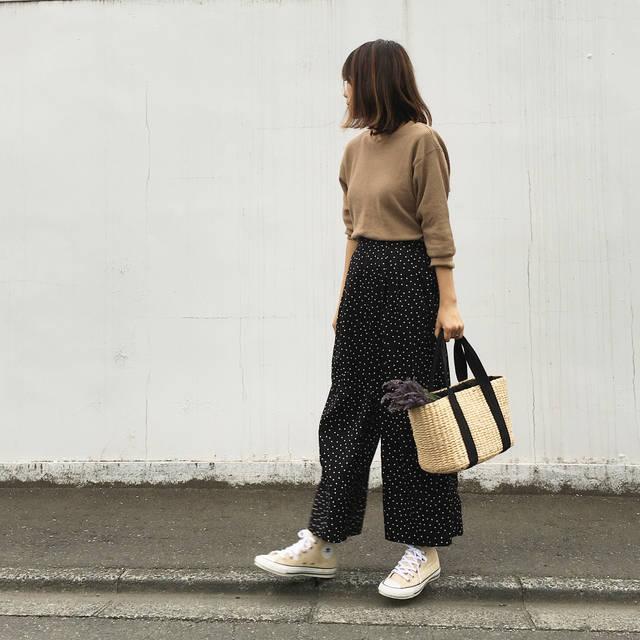 "Mariko on Instagram: ""2018.06.17. . #きょコ . Tops #uniqlo #ワッフルクルーネックt  Pants #gu @gu_for_all_  Shoes #converse  Bag #coen . . 毎日肌寒くて嫌だ😫💦 着るものに困った時のワッフルクルーネックT🧡…"" (97094)"