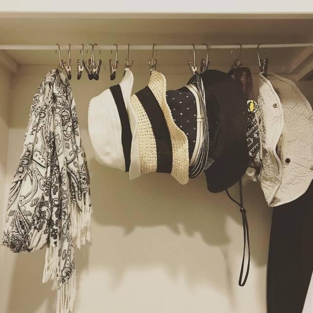 """@ik__hm on Instagram: """"一つ前でポストした#マワクリップ 早速帽子を吊るしてみました〜✨👒🎩🎓 クリップの向きが横向きだから帽子もスッキリ吊るせて💯💮💯 クリップ痕も付きにくくて型崩れもしなくて🙆♀️ 。…"""" (98174)"""
