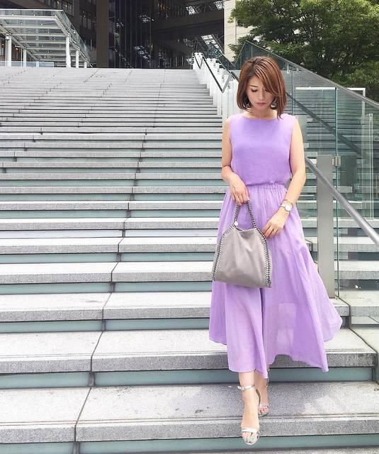 """Rie. on Instagram: """"こんばんは ◡̈*❤︎ . . この間の 全身ver. . .  ワンピに見えますが 別ブランドの トップスとスカートを 合わせてます . . 奇跡的にカラーが合ったので嬉しいなぁ〜◡̈*❤︎ ワンピ風に着てみました ◡̈* . . リネンとコットンの素材が夏らしくて…"""" (99386)"""