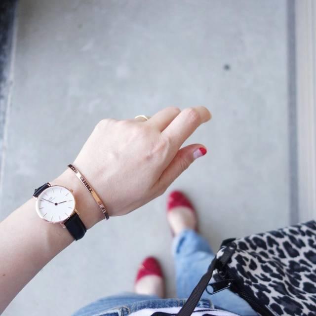 """@n.yu____mi on Instagram: """"お気に入りぜんぶ詰め込んで出勤♪やっぱり#gu の#ラウンドバレエシューズ 履きやすい!とりあえず限定価格になったら全色買い決定!←定価では買わないですが… * * * coordinate tops:#セントジェームス  bottom・shoes:#ジーユー…"""" (100020)"""