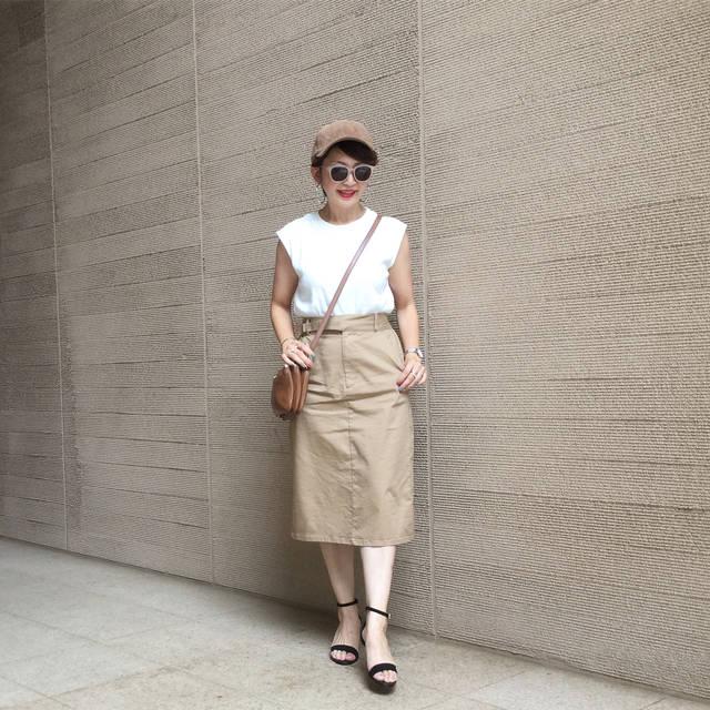 """アヤコ on Instagram: """"グルカスカート可愛くて、長さも好きだし 得意の色違い買い❤️😏 ALL  #gu新作  #チノグルカミディスカート Lサイズ #ワッフルスリーブレスt  Lサイズ #スエードタッチストラップサンダル LL #コーデュロイキャップ Lサイズ…"""" (100448)"""