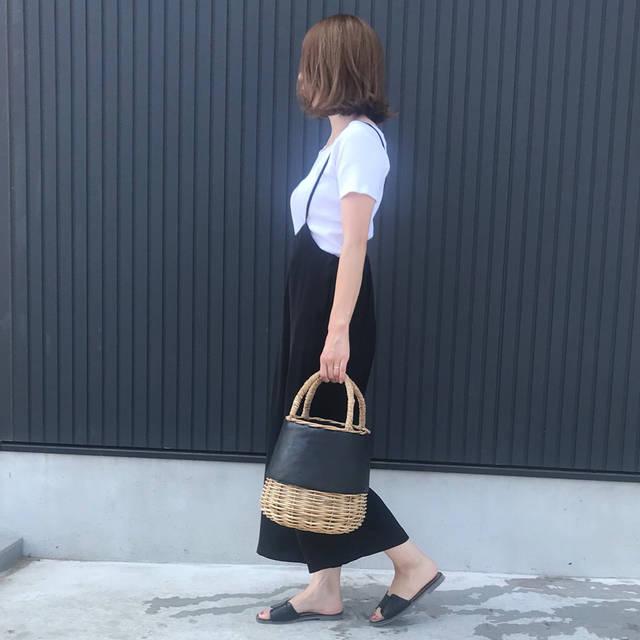 "Etsuko on Instagram: ""#outfitoftoday * UNIQLO×GUコーデ * #サロペットワイドパンツ  サラッと夏場でも履き心地いいし🐼◎ 形綺麗だよ~✨ * 👚・@uniqlo #uniqlo#uniqloginza 👖・#gu#ジーユー#gumania 👡・#titivate…"" (100978)"