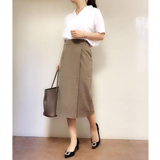 """non-non on Instagram: """"・ ❤️オフィスカジュアル女子必見✨❤️ ・ ・ 以前、シューフィッターの方に歩き方をみていただいた時、 「歩き方が働く女性ですね!」 と言われたことがあります…!! #働く女性 は歩くのが早い👣 これって、キャリア女子あるある⁉️! ・ ・ そんな#オフィスカジュアル…"""" (101837)"""