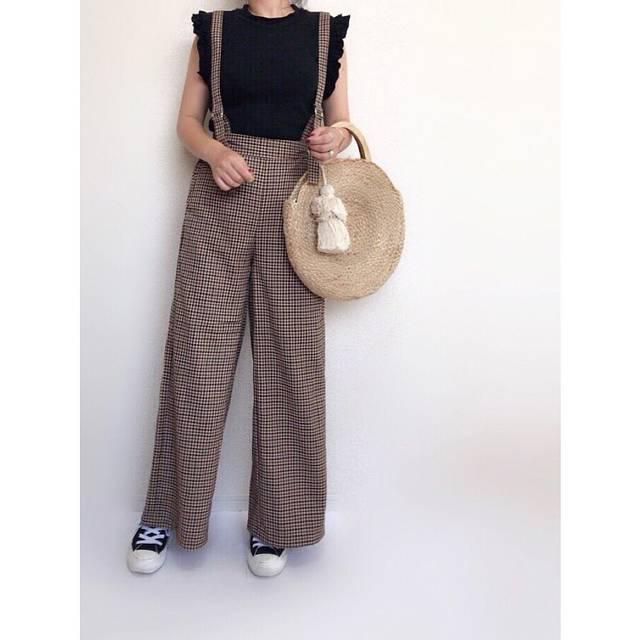 """@fuuuuu__chan on Instagram: """"2018.07.12 code* ・ #gu新作 のサス付きワイドパンツ👖 #ガンクラブチェック のブラウンです😌 夏はこれからだけど店内は秋カラーになってました👀 どれもこれも可愛いかった❤️ チェックアイテムも沢山あって スカートも狙ってます😏 ・ ・ ・ #ママコーデ…"""" (104034)"""