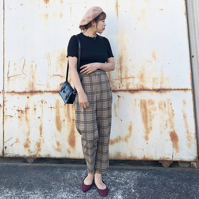 "mii on Instagram: ""✏︎...記録 . . tops.béret.bag#discoat @discoat_official pants.pumps#gu @gu_for_all_  pierce#goldy @goldy_jp . . こっくり秋カラー🍂 トップスはDiscoatさんのもの♩…"" (104709)"