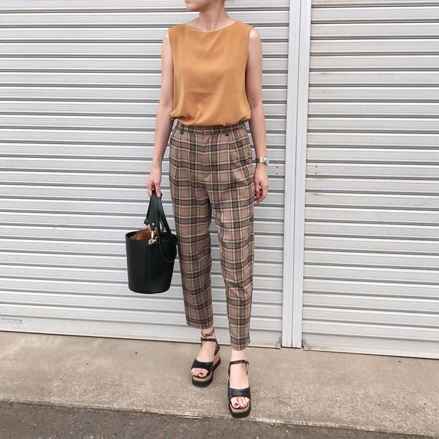 "♡miki_tee♡ on Instagram: ""#cordinate  #きのコ ・ ・ ・ tops#uniqlo  pants#gu #タータンチェックテーパードパンツ  sandal#titivate  bag#jeanasis ・ ・ ・ 今日はなーんも考えたくない日🍀…"" (104710)"