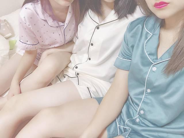 """kyara on Instagram: """"・ ・ 3人ともHISAKAnumberで培ったエロさを全開に。笑 ・ とてもムンムン漂ってる(?) ・ これが色気と言うものじゃないんですか、???? ・ とりあえずとても楽しかった ・ せりちゃんにハンバーグの作り方教えてもらったから、良いお嫁さんになれますかね?笑 ・…"""" (105833)"""