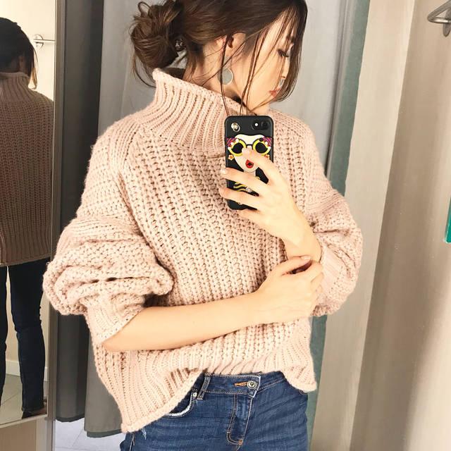 """yossan on Instagram: """"#hm  ストーリーズにも上げてたやつ ◡̈⃝ ◡̈* ◟̽◞̽ ◟́◞̀♡ 去年欲しかった #チャンキーニット 買えなかったから 今年バージョン 買いました♡  試着するだけで 滝汗。。。 まだまだ着れる日未知すぎやけど 2990円は買い♡  ピンクベージュに ざっくり感…"""" (106975)"""