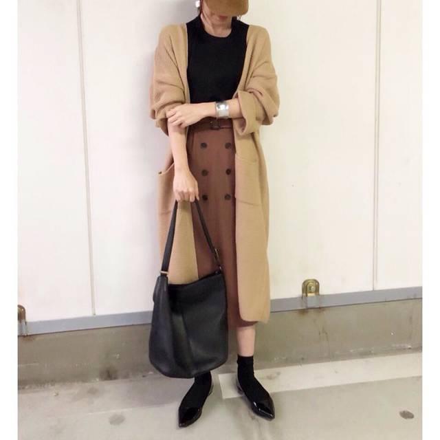 """@minmin08__ on Instagram: """"・ ・ 大阪も雨で寒くなりました💦 ・ 出番待ちしていたfifthさんのロングカーデやっと着れる〜😂 たっぷりと長い丈&袖のたっぽり感やっぱり可愛い❤️ ・ 中に着たトップスは#uniqlou の#クルーネックt 🙌 もっちりとした生地が着心地がよくかなりヘビロテしています😆…"""" (107792)"""