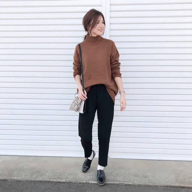 "♡miki_tee♡ on Instagram: ""#cordinate ・ ・ ・ tops#gu #オーバーサイズハイネックチュニック  pants#noahl shoes&bag#zara ・ ・ ・ ざっくりニットにスラックス合わせ好き♡ guのオーバーサイズシリーズ可愛い🤤❤️ あれも欲しいな〜✨ ・ ・…"" (108418)"