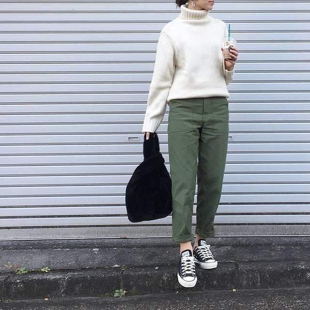 """yuri on Instagram: """"2018.11.11… * #今日のコーデ guのタートル着てみました🐏 やってみたかったベイカーパンツ合わせ。 やっぱりギャルリーに似てるかも♡ *  メンズMを前だけinでこんな感じに。 Lでも良かったけど、袖は丁度かな☺︎ * 今日も暑いぐらいの陽気💦…"""" (111535)"""