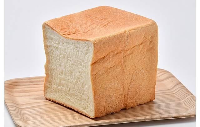 国産小麦入り もっちり食パン 1斤 | オーケー株式会社 (114235)