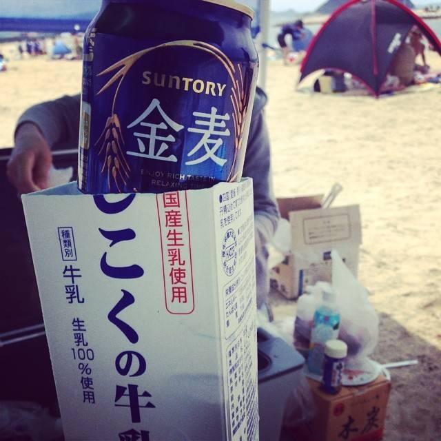 "ERINA on Instagram: ""牛乳パックの中を凍らせて( ̄ー ̄)#主婦の知恵#ずっと冷たい#海#BBQ"" (115638)"
