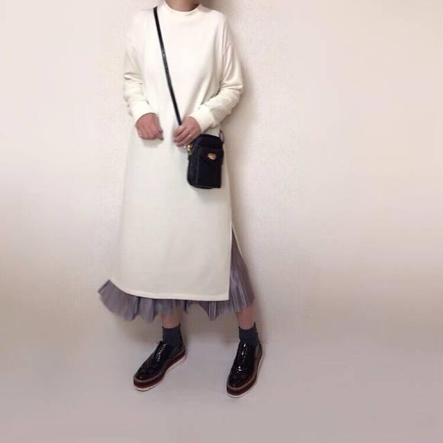 """@fuuuuu__chan on Instagram: """"2019. 01.24 code* ・ #gu新作 の#スウェットスリットワンピース 👗 やりたかったワンピ+スカート合わせ😁💕 オリーブ❓色は私の行く店舗では既に完売でした😭 なのでナチュラルにしました👍 スキニーやレギンス合わせと色々楽しめそう🎶 @gu_for_all_…"""" (116782)"""