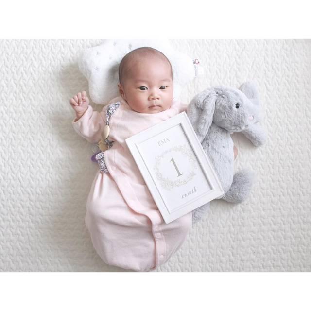 """y u n a on Instagram: """"ㅤ ㅤ ㅤ 娘さん 今日で 生後1ヶ月 おめでとう ♡ ㅤ ㅤ 𓏸 ミルク飲む量が増えた 𓏸 少し お話するようになった 𓏸 大きい声が出せるようになった 𓏸 抱っこまん 𓏸 昼間 起きてる時間が増えた 𓏸 寝言泣きするようになった 𓏸 起きてる間、1人でご機嫌な時間が増えた…"""" (117440)"""