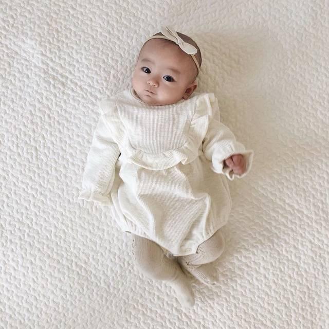 """mado on Instagram: """"𓂃♩ʾʾ 今夜22:00~ @bootakids さんで 販売start♡ . . 可愛いロンパースがいっぱいだよ💘 . . うたはどれも 1番小さいサイズを着ています ( 56.4cm 4.6kg 3ヶ月 ) . . #赤ちゃん #baby #ベビー #生後3ヶ月…"""" (119754)"""