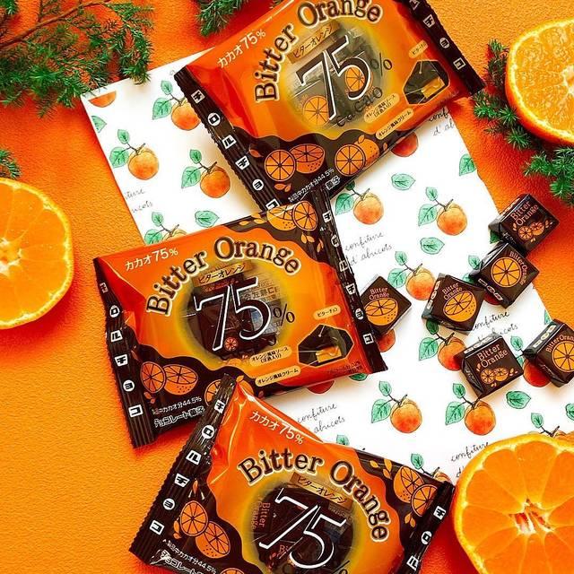 """チロルチョコ on Instagram: """"DAISO限定★ カカオ75%のビターチョコ 『チロルチョコ ビターオレンジ』 オレンジリキュール入りで大人の味わい✨ さわやかなオレンジの香るチョコレートをお楽しみください🍊  1/21日より販売となります(店舗により日程が前後する場合がございます)…"""" (120674)"""