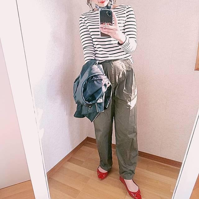 """ⓜⓘⓩⓤⓗⓞ on Instagram: """". . おはようございますっ🌞. . allGUコーデ💜. . . 昨日はお風呂場で子供とカラオケ大会をしてテンション上がりました😂💓. パプリカ熱唱、、(笑). 私じゃないよ🙈子供たちだよ🙈. . . #お洒落さんと繋がりたい #allgu #gu #guコーデ #guコーデ…"""" (121093)"""