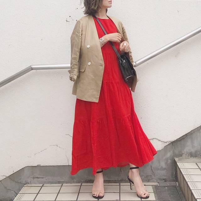 """ry on Instagram: """"* 赤は挑戦だったけど このワンピ可愛いかったなぁ❤️ シルエットもキレイで軽いところも良い👏🏻 サイズはSです☆ * #coordinate op @uniqlo @uniqlo_ginza →#ティアードロングワンピース jk @iena_jp shoes…"""" (124614)"""
