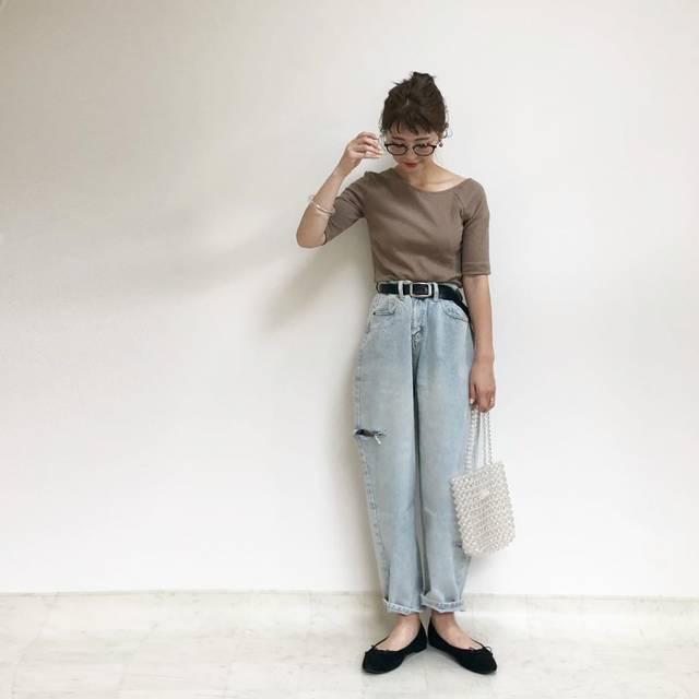 """𝚘𝚌𝚑𝚒𝚎 on Instagram: """"guのリブアシンメトリーネックT可愛いねーこれ、色ち買いする人の気持ちすごくわかる🙋♂️ このデニム、サイズ感もダメージ具合も色合いも古着みたいですき♡ 夏は薄いブルーのデニムが履きたくなーる。 ・ ・ tops @gu_global denim…"""" (125531)"""